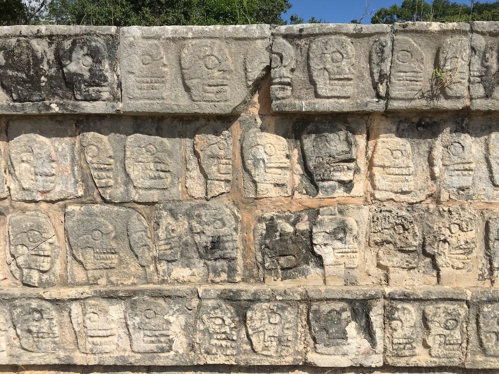 pared_sacrificios
